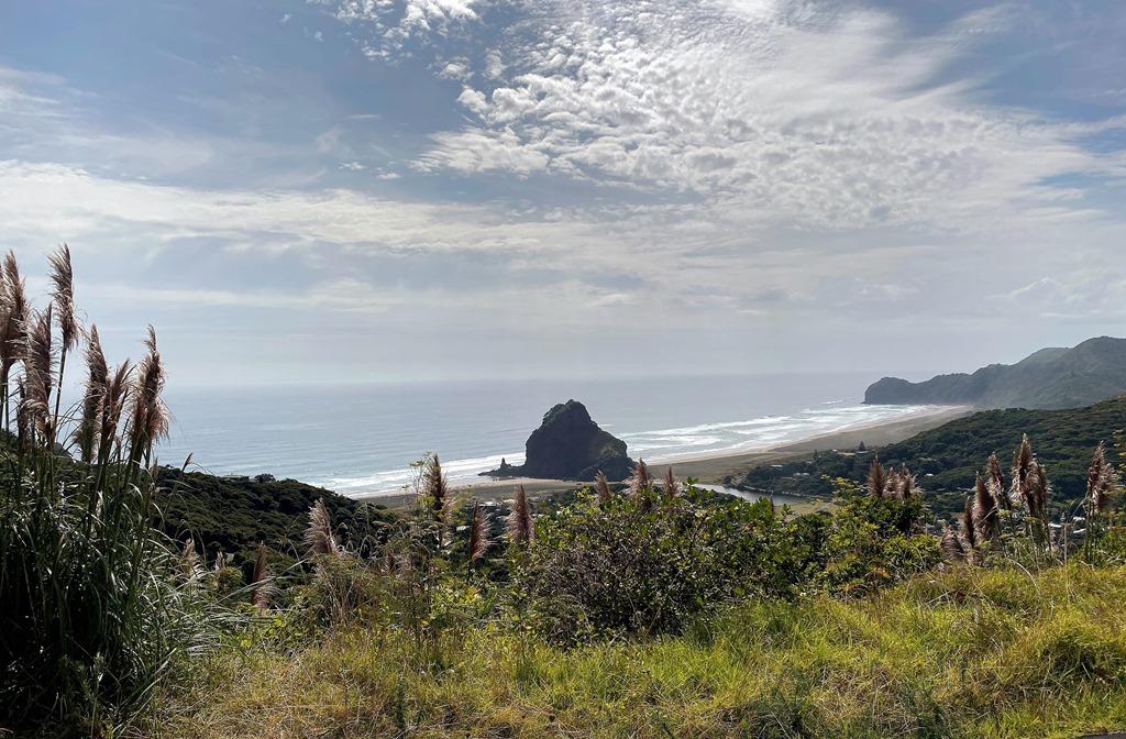 Day 18 – Feb 17 – Monday – A trip to Piha Beach